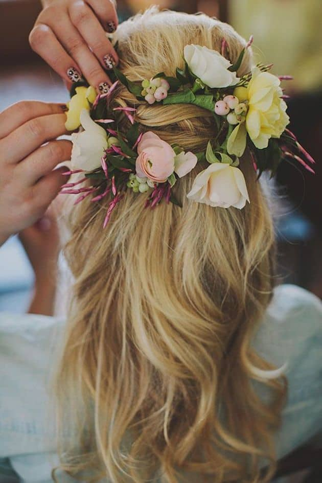 15-Gorgeous-Half-Up-Half-Down-Hairstyles-for-Your-Wedding-Bridal-Musings-Wedding-Blog-7